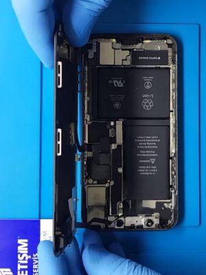 iPhone Xs batarya pil değişimi
