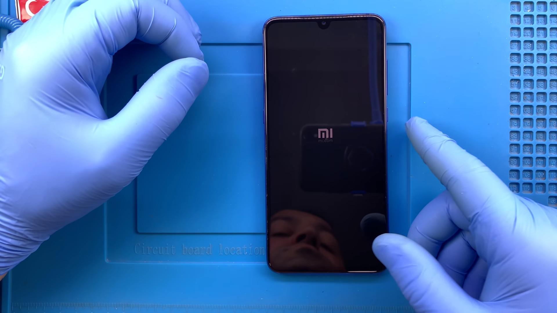 Xiaomi Mi 9 SE Ekran Ekran Değişimi